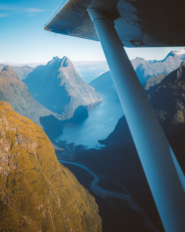 A Spectacular Morning Flying Through Fiordland & Into Milford Sound